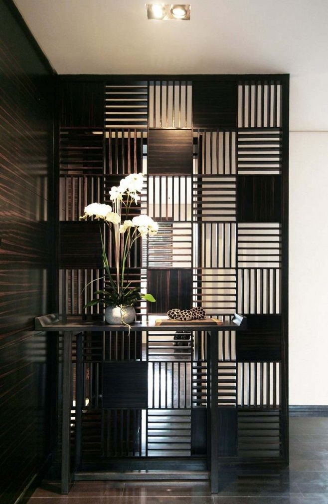 black divider with spot lights focus foyer ideas pinterest raumtrenner gel nder und. Black Bedroom Furniture Sets. Home Design Ideas
