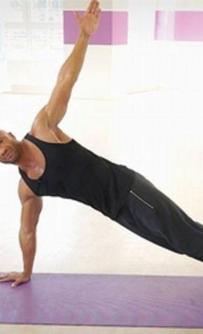 Ein flacher Bauch, eine schlanke Taille – davon träumen wir alle. Detlef D! Soost zeigt im Video eine der besten Übungen für gezieltes Bauchtraining...