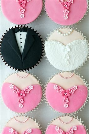 Bride and groom cupcakes: Aren't these adorable? Cupcakes are a big trend in the wedding world these days as they're easy to do, and your guests can help themselves – after you've taken all your pictures, of course. And wouldn't it be just delightful if every member of your wedding party had their own personalised cupcake?