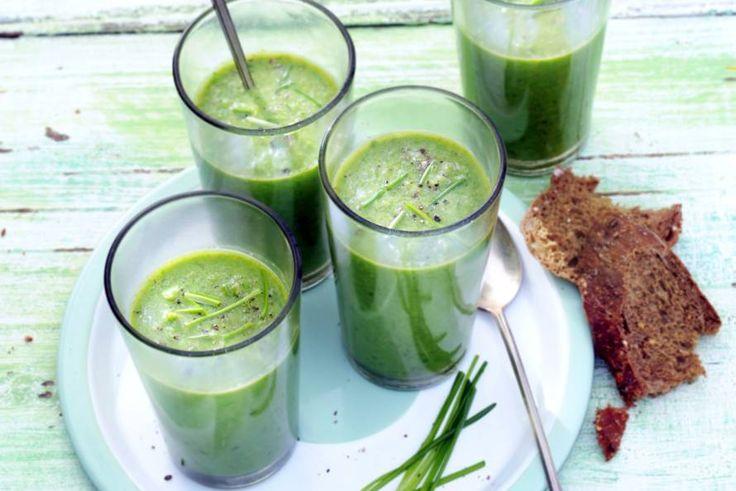 Kijk wat een lekker recept ik heb gevonden op Allerhande! Gazpacho van kropsla, tuinerwten & bieslook
