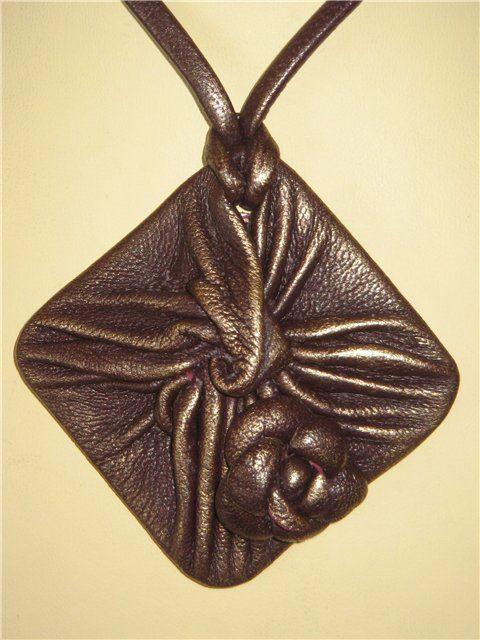 Рукодельница: Эксклюзивные кожанные украшения