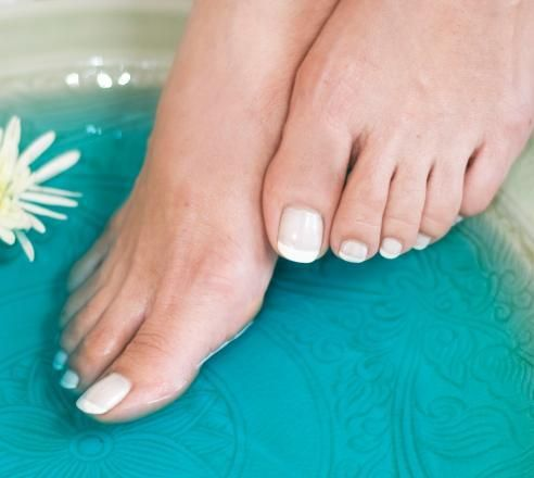 Long french tip toenails design for summer 2015 : Sexy Frenchtip Toenail Design