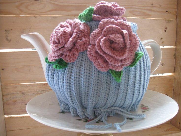P002 patroon gehaakte theemuts met rozen | Haakpatronen | Hip Haakwerk en Dutch Brocanterie