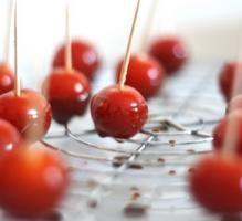 Tomate cerise d'amour (caramel au vinaigre balsamique)