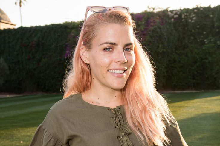 "Busy Philipps rescues daughter from potential pool disaster Sitemize ""Busy Philipps rescues daughter from potential pool disaster"" konusu eklenmiştir. Detaylar için ziyaret ediniz. http://www.xjs.us/busy-philipps-rescues-daughter-from-potential-pool-disaster.html"