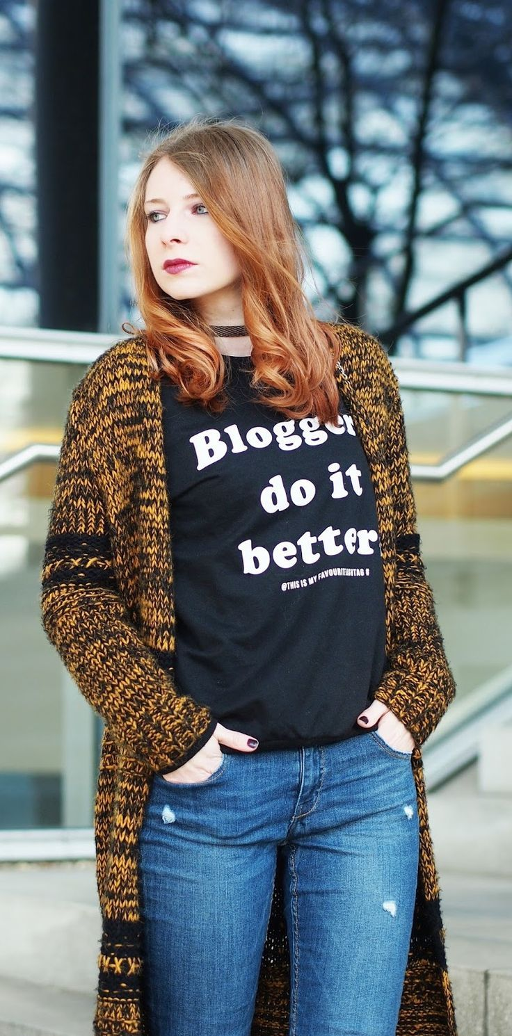 http://www.thefashionableblog.com/2017/01/outfit-lange-strickjacke-von-topshop-netzstruempfe.html #netzstrümpfe #netzstrumpfhose #jeans #drmartens #docs #schnürer #mash #mashtights #bloggersdoitbetter #sweater #mango #topshop #cardigan #ootd #outfit #fashionblogger #fashionblogger_de #choker