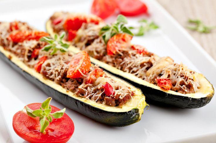 Découvrez une recette rapide de zucchinis farcis a...