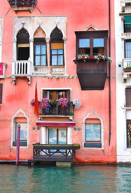 Grand Canal - Venice, Italy. Makes me want to paint my world in this shade of pink. #myperfectPANDORAsummer /officialpandora/
