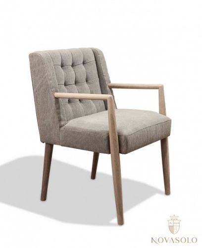 "Kul og retromoderne New Amsterdam spisestol! Dette er den vågale interiørarkitektens valg! Stolen har et tøft ""stonewashed"" stoff som vil si at det er litt struktur og liv i stoffet!"