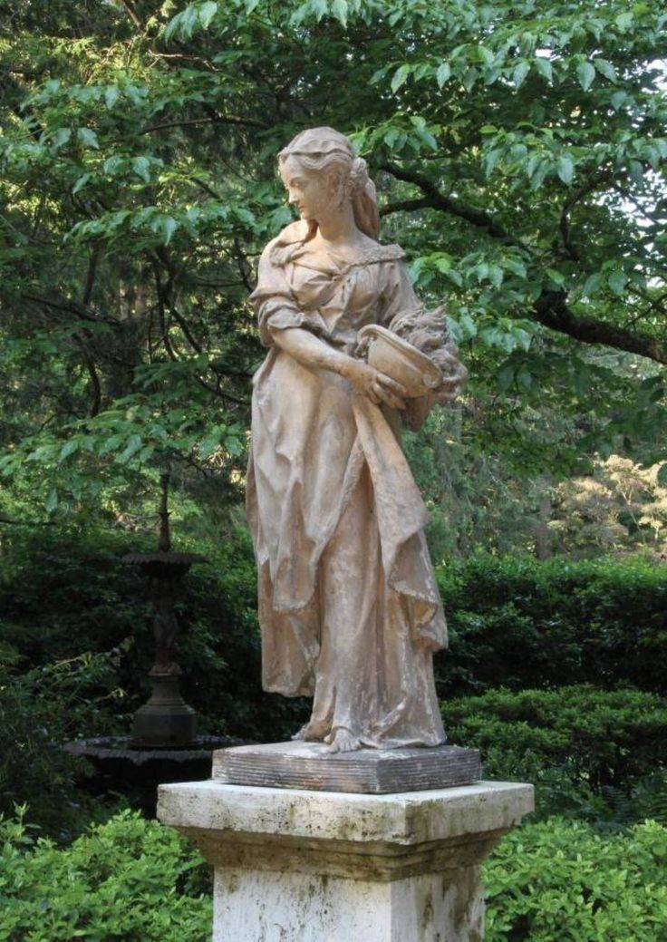 Garden And Lawn , Large Garden Statues : Beautiful Woman Large Garden Statues