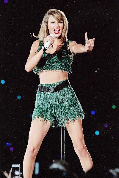 Taylor Swift - 1989 World Tour... - Taylor Swift Style