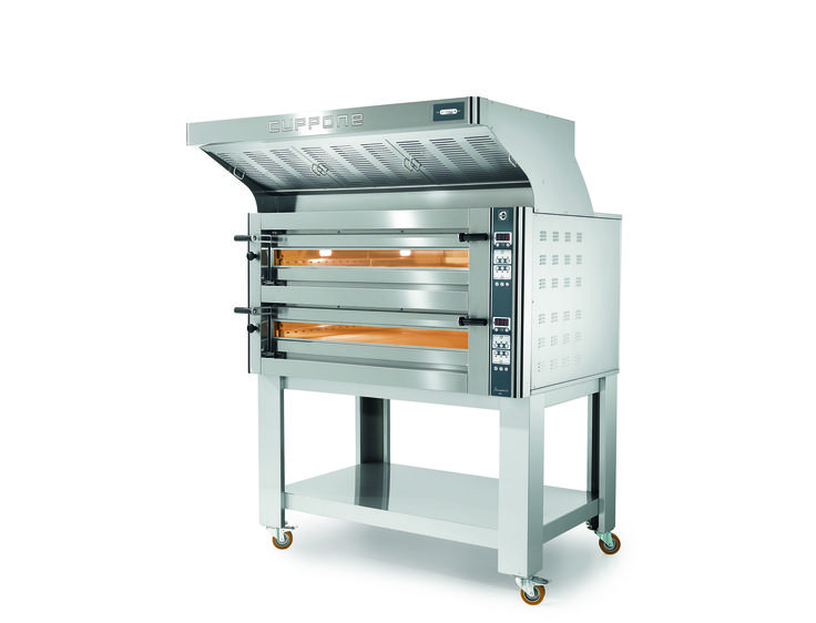 Cuppone Donatello features revolutionary heat regeneration system that immediately recirculates the heat back into the oven when the door is opened.