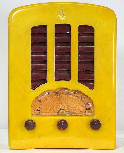 Yellow | Giallo | Jaune | Amarillo | Gul | Geel | Amarelo | イエロー | Colour | Texture | Style | Form | Pattern | Antique Bakelite Radios