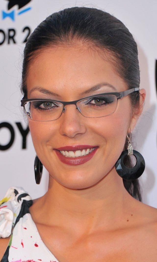 Gallery 2: Favorite Glasses That Aren't Black: Adrianne Curry