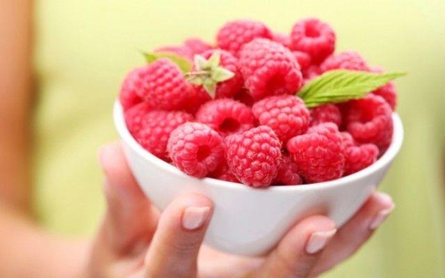 Hallon är både vitaminrika, somriga och goda – och sägs dessutom kunna öka din fettförbränning! Vi har samlat våra favoritrecept!