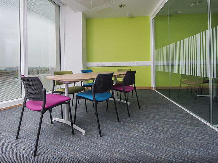 A meeting area with Kyos chairs