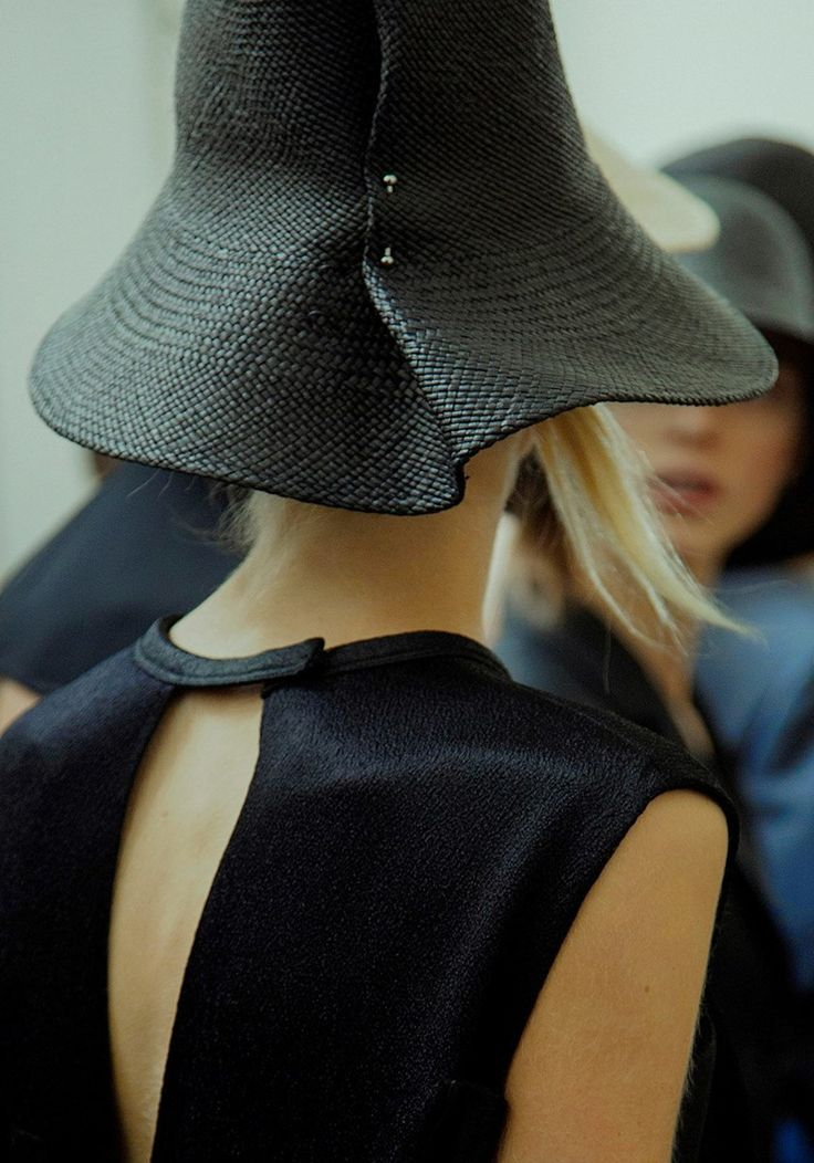 Beautiful hat. Love how it's pinned/fitted. backstage at jil sander ss16