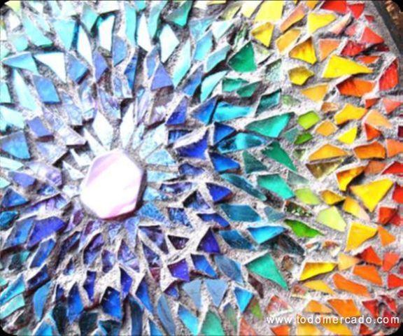 Taller de Arte Da Vinci Clases de mosaico Profesora Polina Nishnikow  Metodología del curso: El taller es un espacio de aprendizaje práctico sobre el uso de herramientas y técnicas de creación y construcción de Mosaico. Los cursos irán aumentando su desafío artístico cada mes, aportando así a un avance paulatino hacia el manejo técnico más profundo.  Duración: Un mes, con cuatro clases una vez por semana, Cada mes tendrá un objeto y técnica a lograr. Horario: Martes de 11:00 a 14:00 hrs  y…