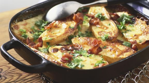Rezept: Ofenkartoffeln mit Speck und Käse