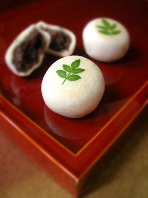 Japanese sweets / 木の芽の薯蕷まんじゅう