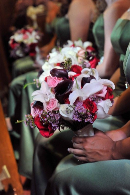 Fall bridesmaid bouquets! Get real wedding flower inspiration from real brides from the 1800flowers blog, Petal Talk! #fallweddingflowers #bridesmaidbouquets