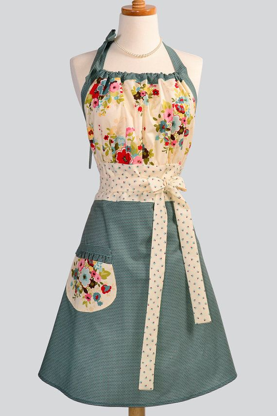 Cute Kitsch Apron / Houndstooth in Turquoise and by CreativeChics