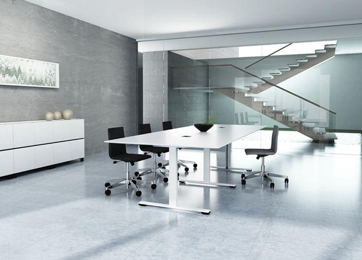 Futuristic Office with white cabinets | Futuristisch kantoor met witte kantoorkasten en draaideurkasten