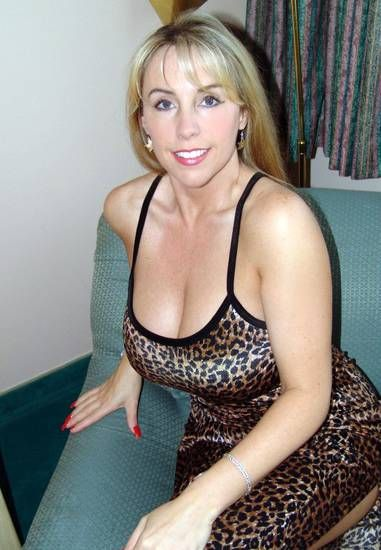 Adult cougar dating porn