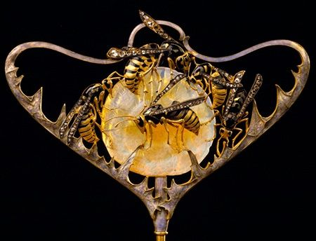Wasps Stickpin By Rene Lalique Circa 1898-1899 Simply breathtakingly beautiful.