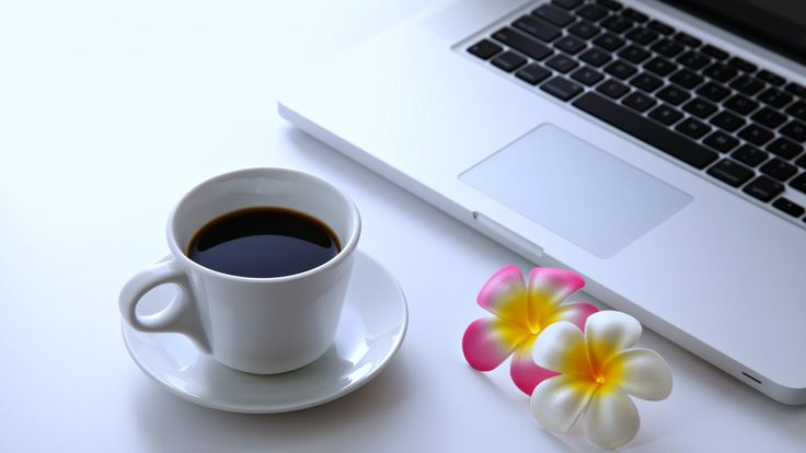 Work at home :))) LOVE IT. No limits, no boss, no stress, only coffee + inspiration + my notebook + my group <3 @hamoriblanka