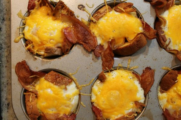 Gluten Free, Bacon, Egg, Cheese, and Toast Cups - Awesome breakfast recipe!