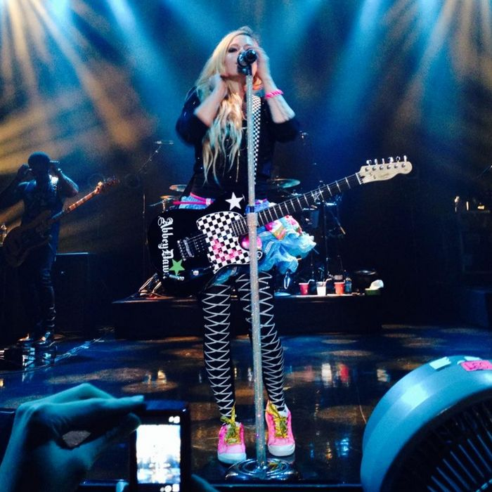 Special Zepp Tour - Live a Nagoya • 2 • Avril Lavigne • Gallery • Avril-Italy
