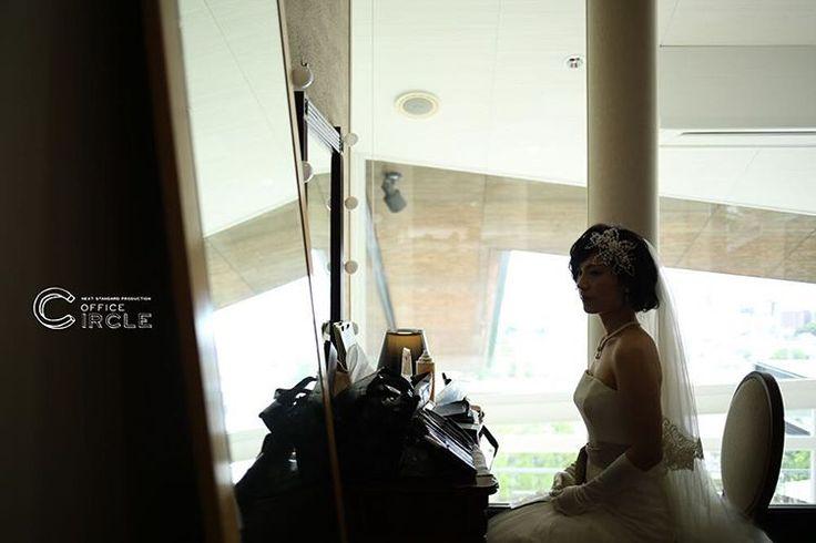 神戸での結婚式撮影☺︎ ピアニストとオペラ歌手の新郎新婦様による「harmony wedding」* * produced by conceptwedding photo by officecircle * #ロケーションフォト #前撮り#フォトウェディング のご予約受付中です☺︎ 人気の#和装前撮り もご予約可能* 【撮影プラン、プライスページ更新しました☺︎】プロフィールのリンクよりご確認くださいませ! * #ランブイエ神戸迎賓館  #日本中のプレ花嫁さんと繋がりたい #結婚式カメラマン #大阪花嫁 #関西プレ花嫁 #関西花嫁 #2017春婚 #2016冬婚 #wedding #weddingphotography #プレ花嫁 #bridal #officecircle #osaka #2017夏婚 #2017秋婚 #結婚式 #結婚式準備 #photographer #ウエディングドレス #結婚式diy #花かんむり #ガーデンウエディング #ベールダウン #シルエット #kobe