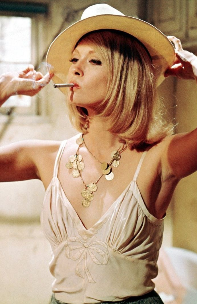 Turner Classic Movies - filmhall:   Faye Dunaway  in  Bonnie and Clyde