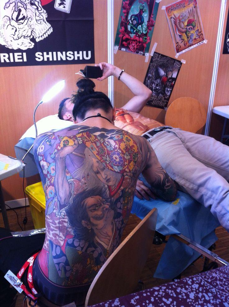 Master at work - Horiei Shinshu - mondial du tatouage 2015 paris
