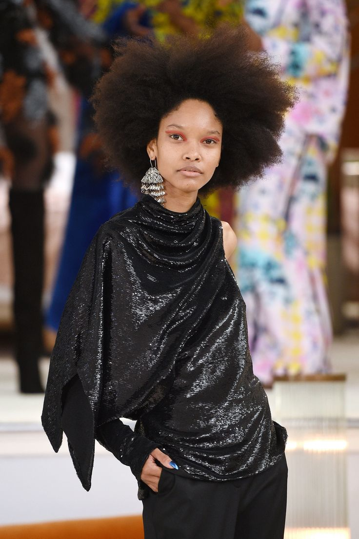 The complete Osman Fall 2018 Ready-to-Wear fashion show now on Vogue Runway.
