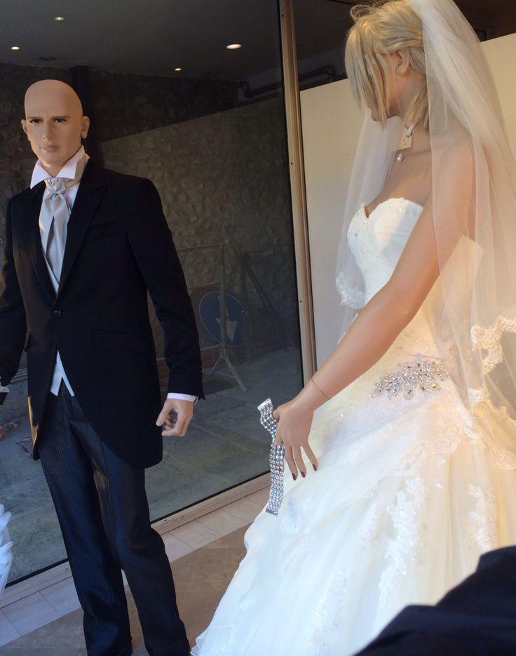 Le nostre vetrine di Natale!!!!! www.tosettisposa.it #wedding #weddingdress #tosetti #tosettisposa #nozze #bride #alessandrotosetti #carlopignatelli #domoadami #nicole #pronovias #alessandrarinaudo