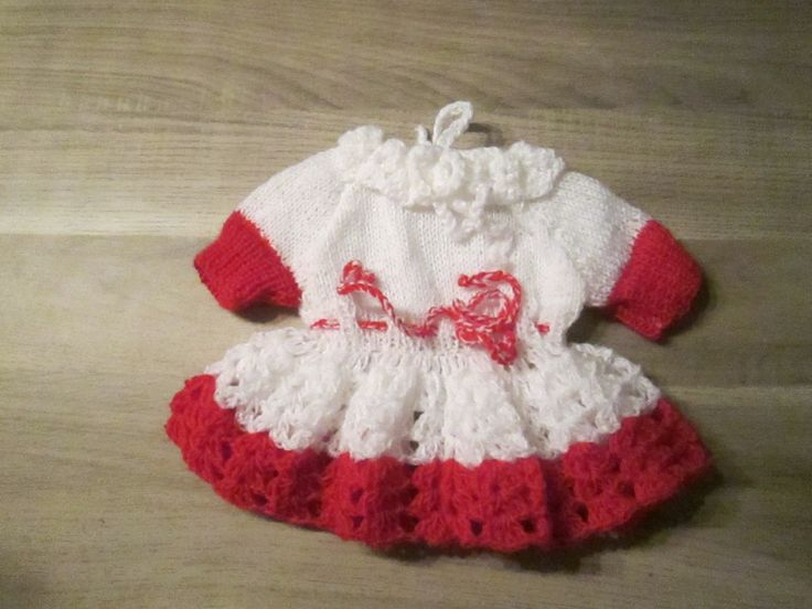 wit met rood jurkje