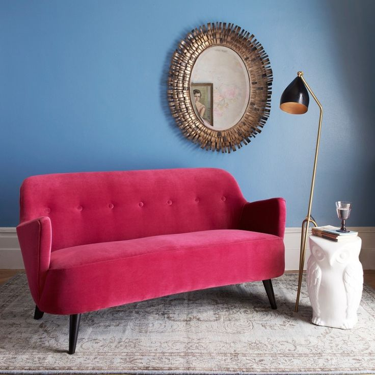 Elegant Enjoy The Fabulous Interior Fashions Of The 50s With Our Luxurious Shapely  Sofa. In Dramatic