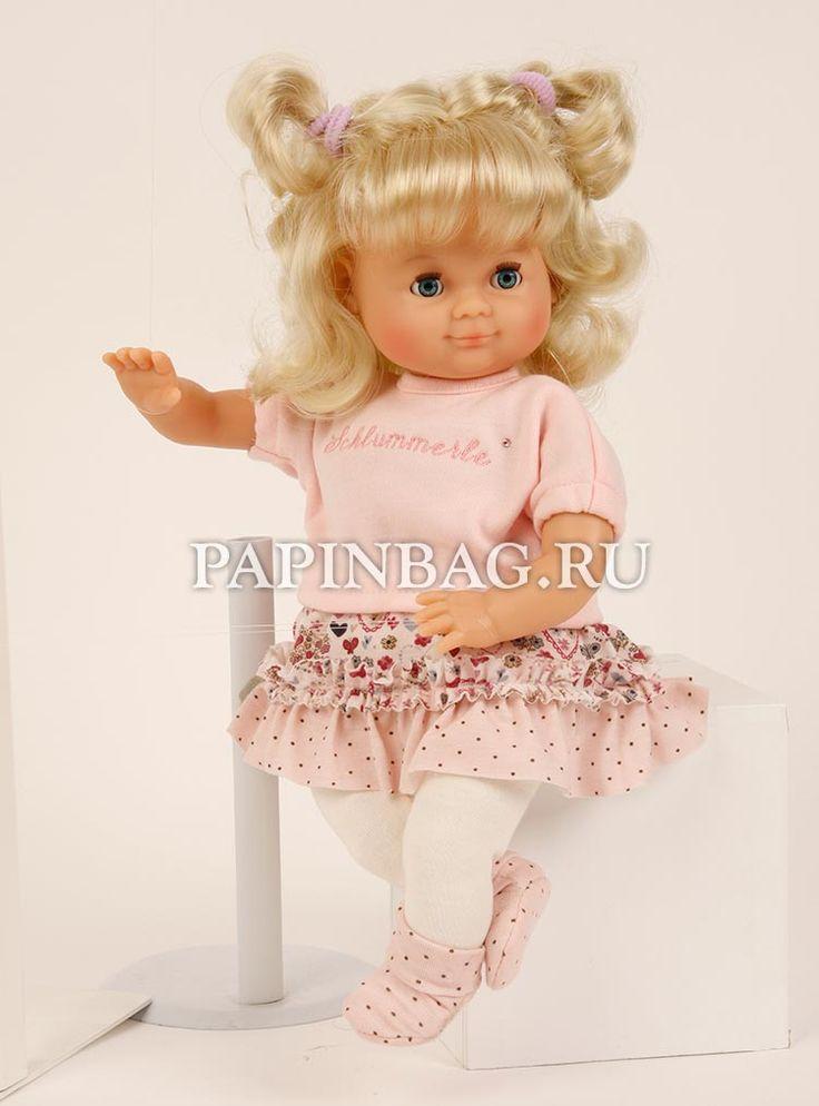 """Schildkrot (Германия) Кукла игровая """"Schlummerle""""с медвежонком, 32 см, Limited Edition, юбилейный выпуск Модель выпущена лимитированной партией и <b>посвящена 50-летию выпуска этих кукол. Кукла имеет индивидуальный номер. Эта модель выпускается с 1965 года, менялись только наряды, в соответствии с модой.За это время Кукла """"Schlummerle"""" завоевала симпатии нескольких поколений.Куклу можно купать, одежду стирать, кукла идеально подходит для игры в """"дочки-матери"""". http://www.papinbag.ru/?m=5639"""