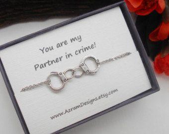 Monogramm erste Perlenkette Brautjungfer von AzramDesigns auf Etsy