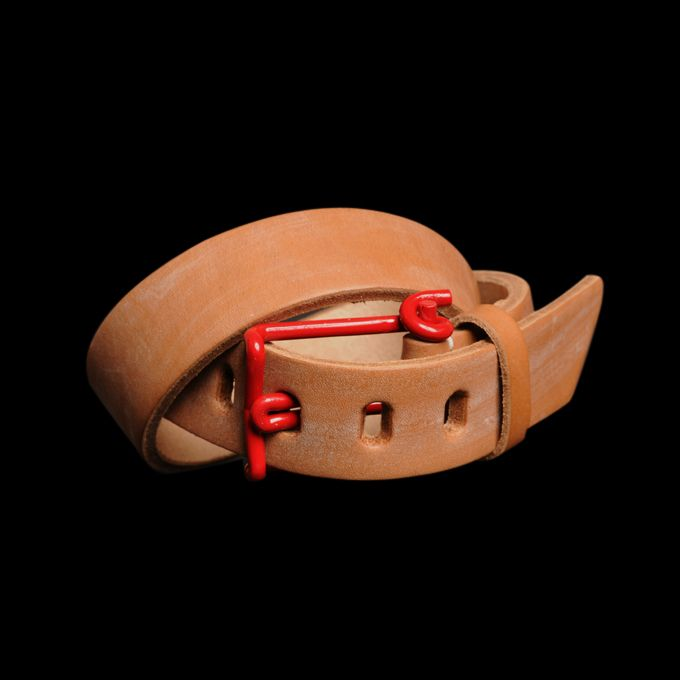 Pair this red wire buckle and oak bark leather belt with a flannel and some hiking boots.