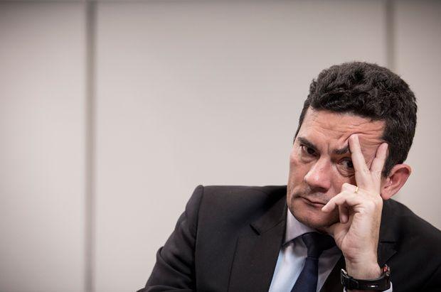 Dez promotores do Ministério Público de São Paulo que investigam corrupção decidiram que não vão assinar um acordo com a Odebrecht para receber provas de que houve pagamento de propina em obras do Metrô, CPTM (Companhia Paulista de Trens Metropolitanos), Dersa e DER (Departamento de Estradas de Rodagem).