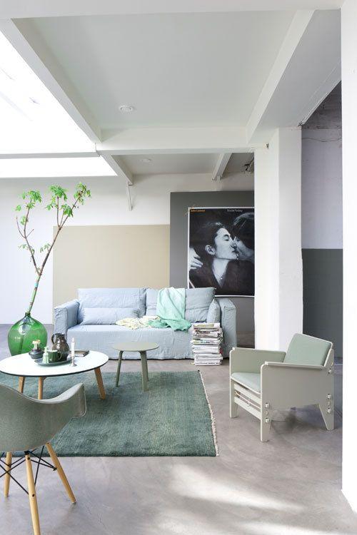 Styling: Marianne Luning   Photographer: Anna de Leeuw vtwonen juni 2013 #vtwonen #magazine #interior #livingroom #green #white #basic