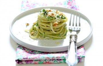 spaghetti con crema di zucchine