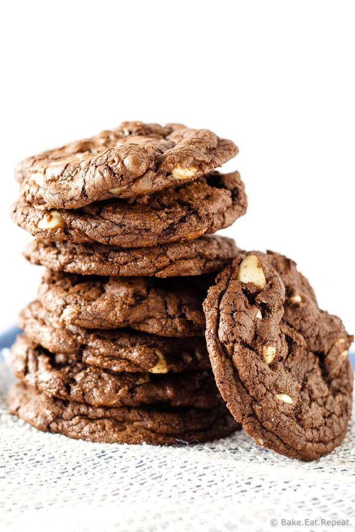 Triple Chocolate Macadamia Nut Cookies - Soft and chewy triple chocolate macadamia nut cookies, soft brownie like chocolate cookies filled with dark chocolate chunks, white chocolate chips and macadamia nuts.