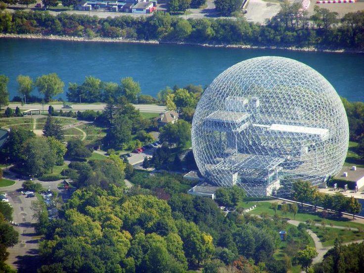 La Biosfera di Montreal, in precedenza padiglione americano all'Expo 67, di R.