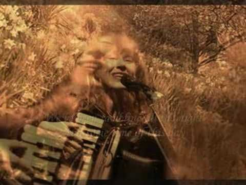 Loreena McKennitt- The Mummer's Dance