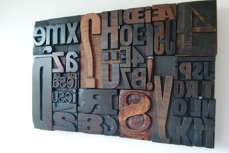 Lettres d'imprimerie en bois - Cadres déco Bois Marron : Décorations murales par helene56