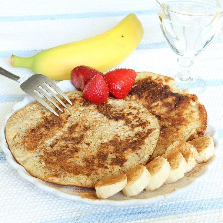 Nyttiga, mättande pannkakor som innehåller mosad banan & ägg. Mums vad goda de är!